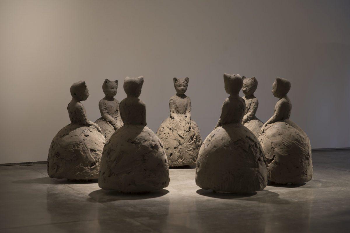 Nicola Hicks, Murder of Crows, 1999, Plaster, (c) Nicola Hicks, Courtesy of Flowers Gallery London and New York
