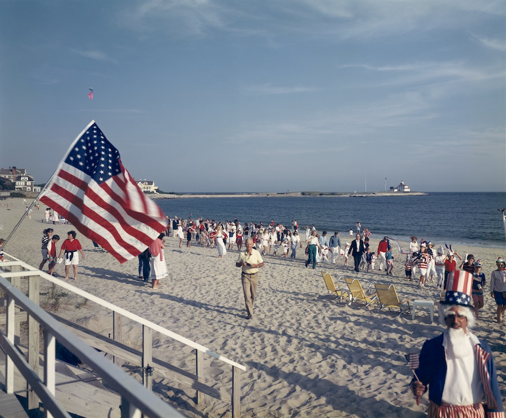 Tina Barney, Landscapes, 4th of July on Beach, 1989
