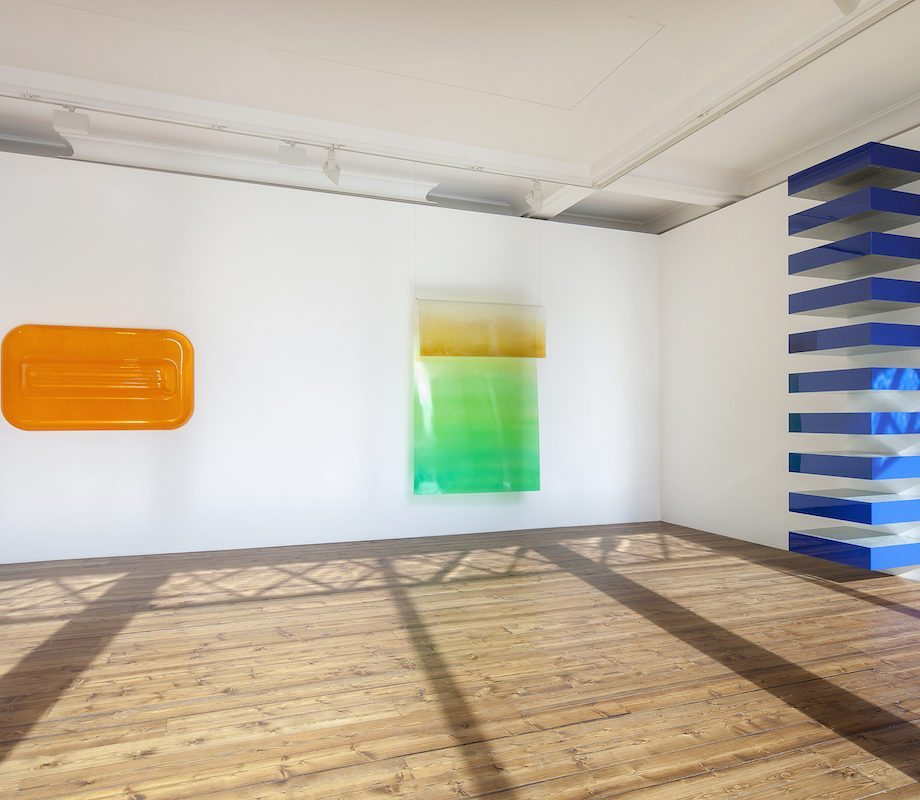 Installation view, 'Crossroads: Kauffman, Judd and Morris.' Sprüth Magers, London, January 19 - March 31, 2018. Courtesy Sprüth Magers. Photography by Voytek Ketz.