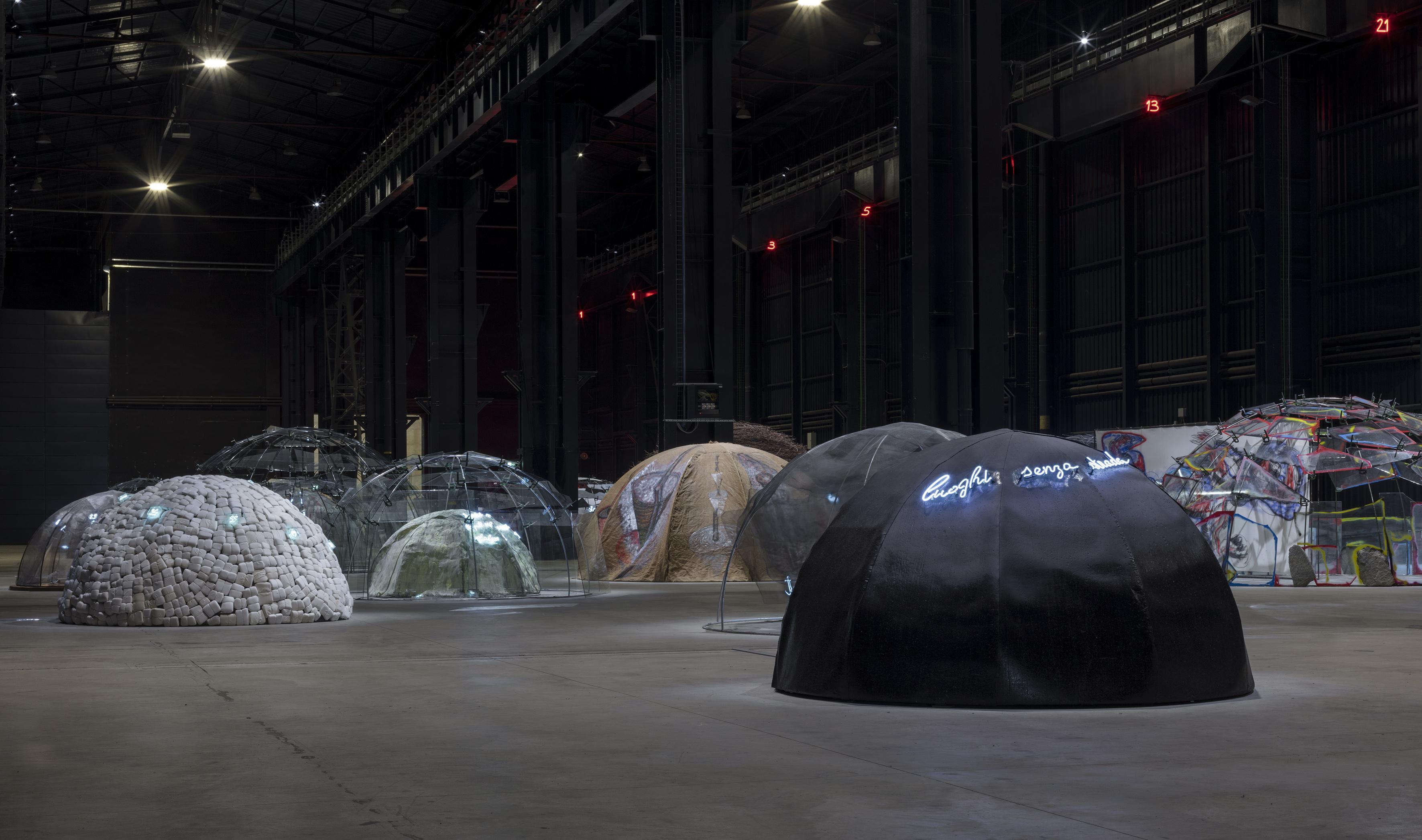 Mario Merz, Igloos, Pirelli Hangar Bicocca, Milan, 2018. Courtesy Pirelli HangarBicocca, Milano Foto: Renato Ghiazza © Mario Merz, by SIAE 2018