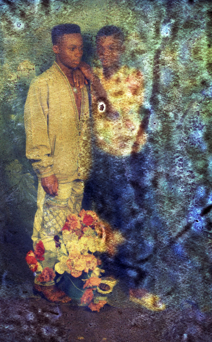 Ruin, Two Boys with Flowers. Courtesy Karl Ohiri: Lagos Studio Archives