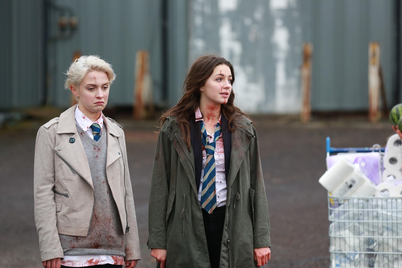 Sarah Swire (Steph) & Ella Hunt (Anna) in Soldier at War