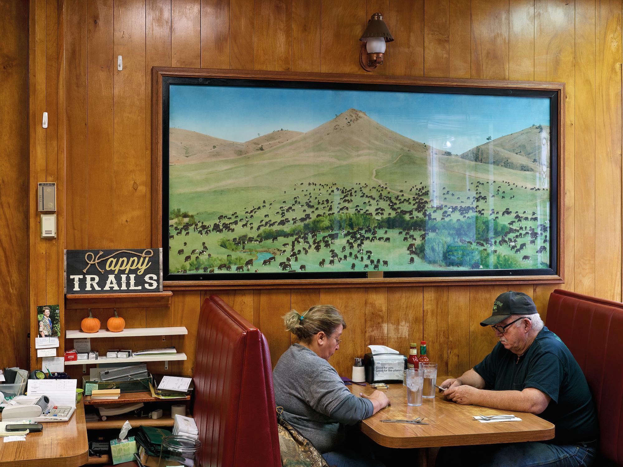 600 Cafe, Miles City, Montana 10.2018 © Mark Power / Magnum Photos