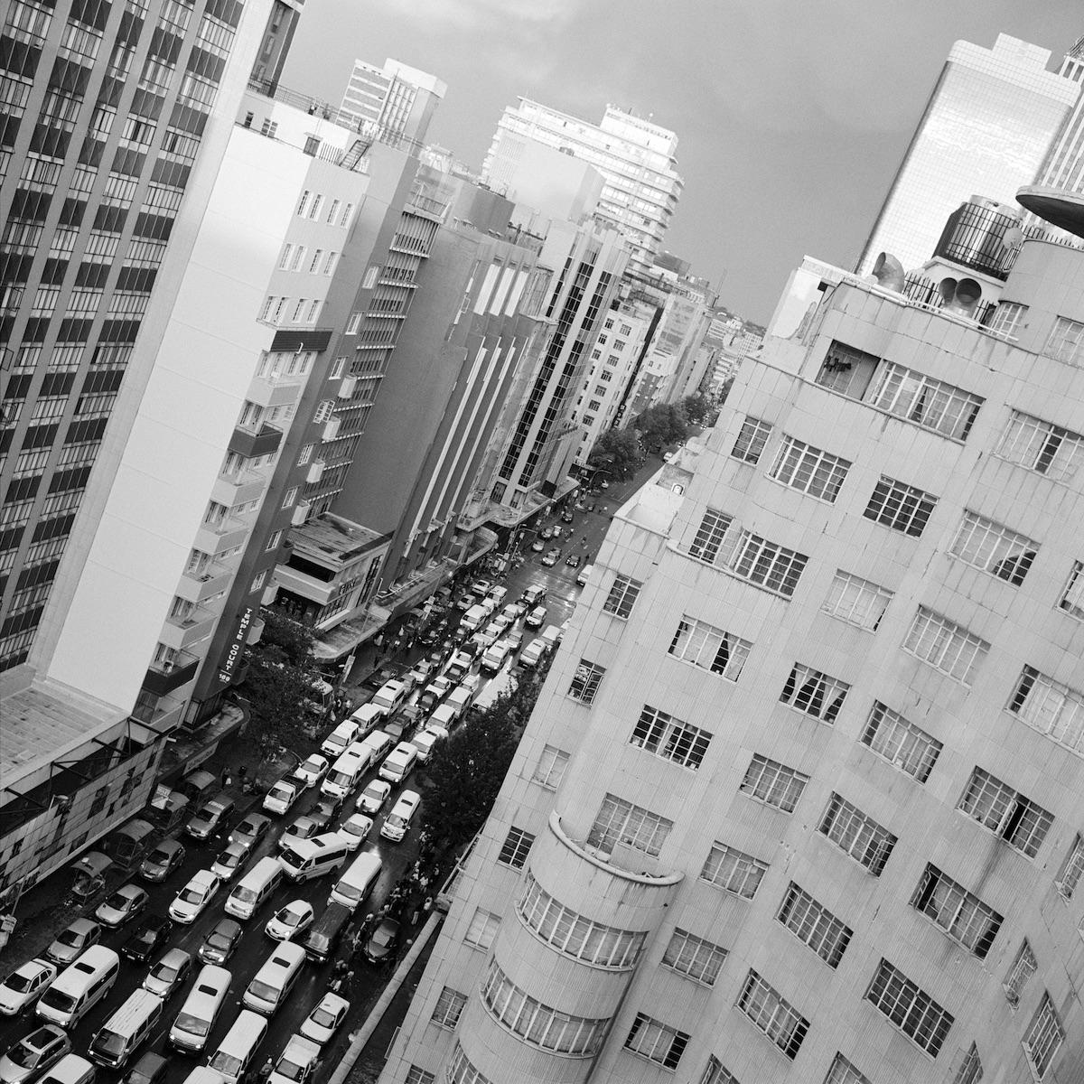 Akinbode Akinbiyi, Downtown Johannesburg, 2013 © the artist