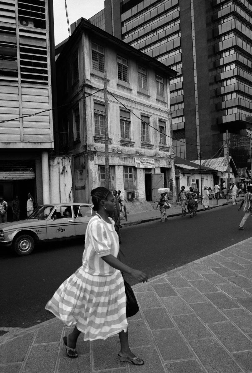 Akinbode Akinbiyi, Lagos Island, Lagos, 1988 © the artist