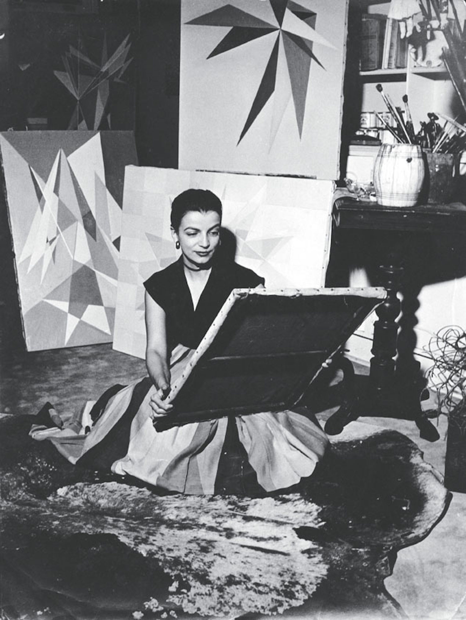 Lygia Clark in her studio, Rio de Janeiro, c. 1950Courtesy of Guggenheim Bilbao