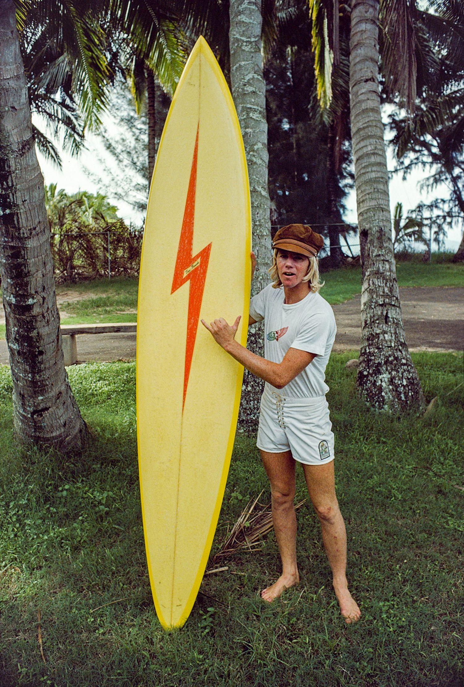 Wayne Rabbit Bartholomew, Ke Iki Road, Oahu, Hawaii 1976 – Photo Jeff Divine
