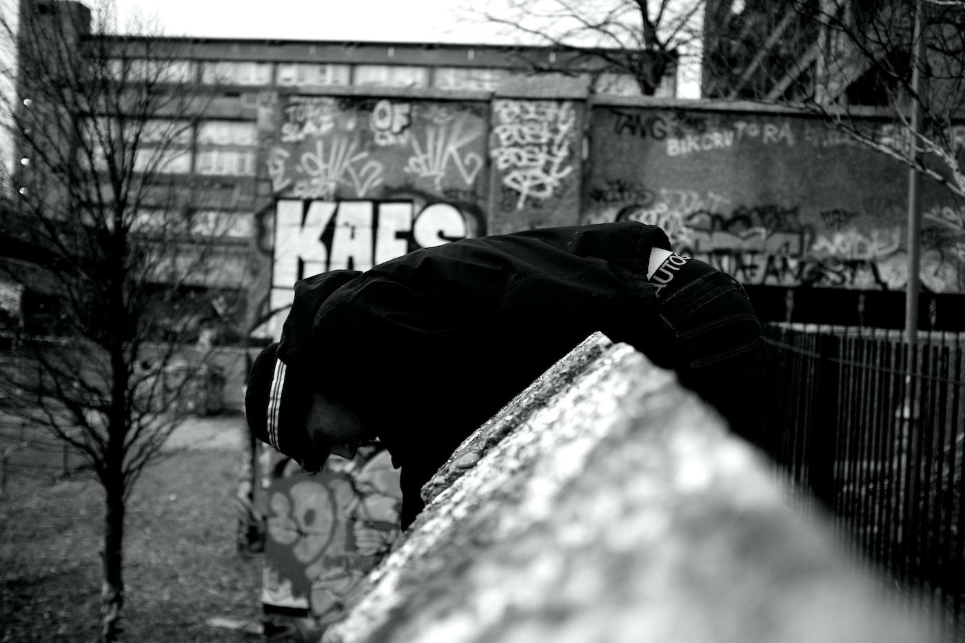 Graffiti writer on Thursday 3 December 2015 in London, England. © Marc Vallée, 2015