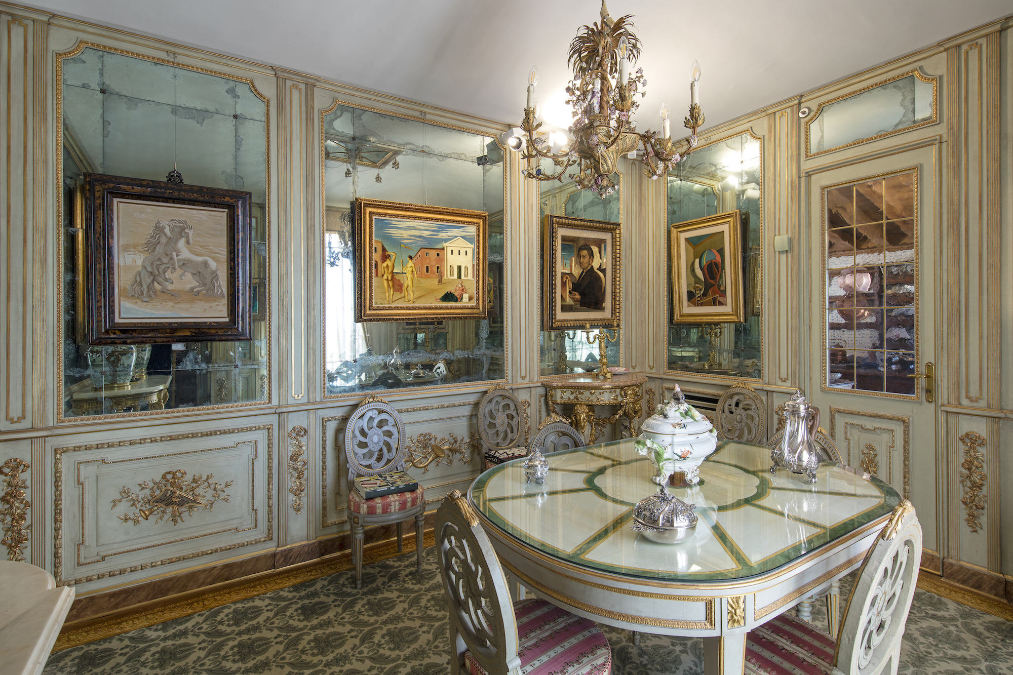 The Decadent Art Filled Villa Hidden For Half A Century In Northern Italy Elephant