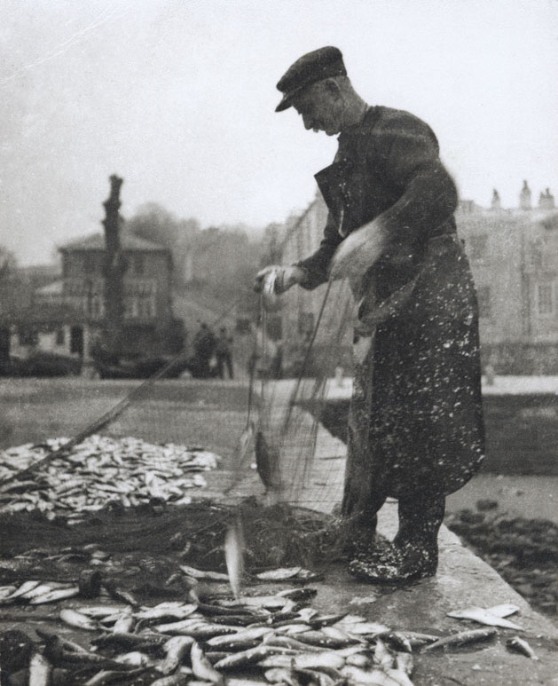 Helen Muspratt, Herring Catch, 1929 © Bodleian Libraries