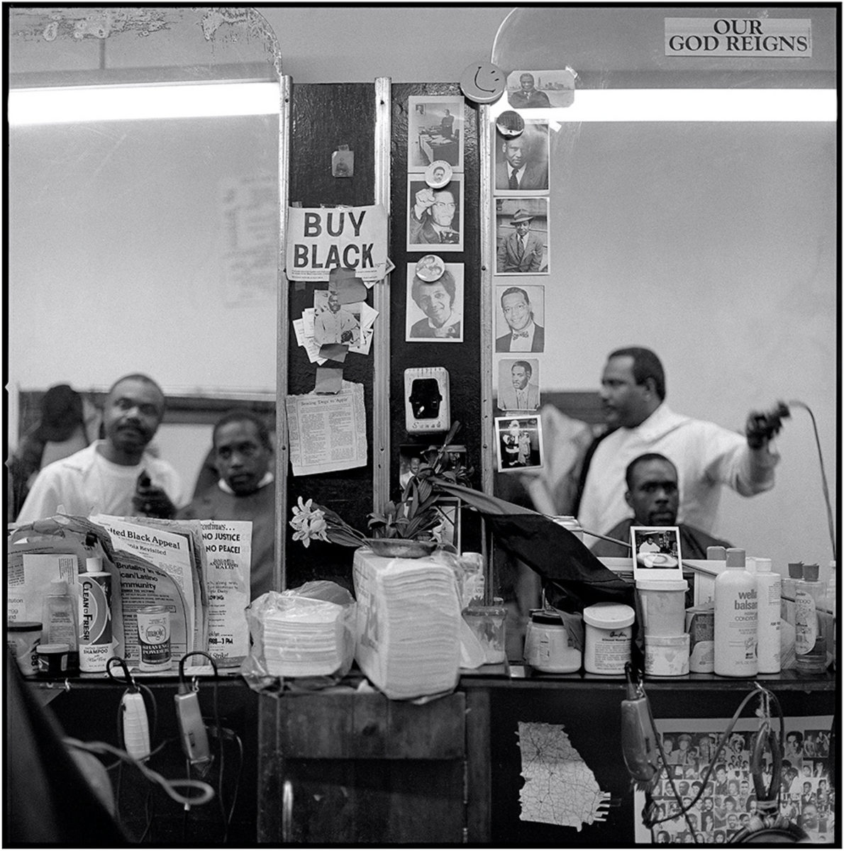 Jeffrey Henson Scales, Buy Black, House's Barber Shop, 1986-1992. Courtesy the artist and Claire Oliver Gallery